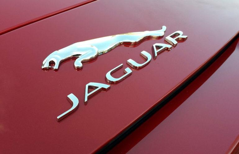 105893-jaguar-f-type-v6-s-italian-racing-red-10