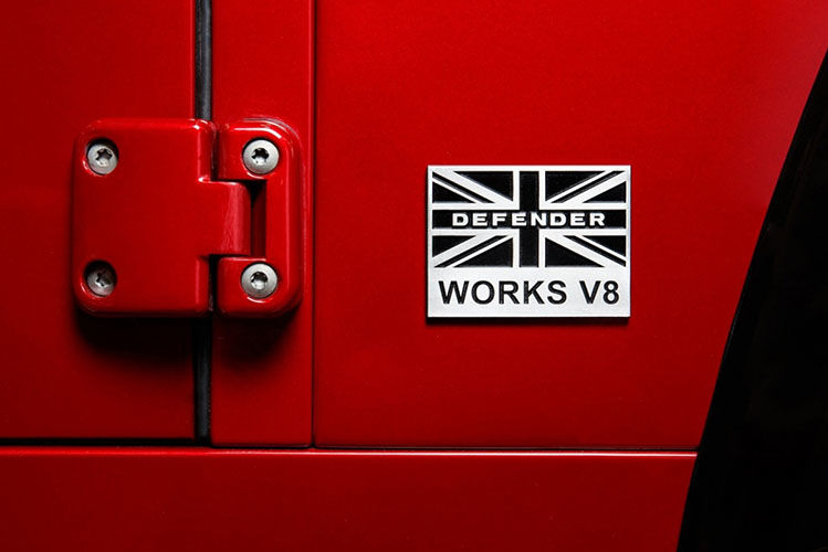 148226-landrover-defender-v8-works-edition-5